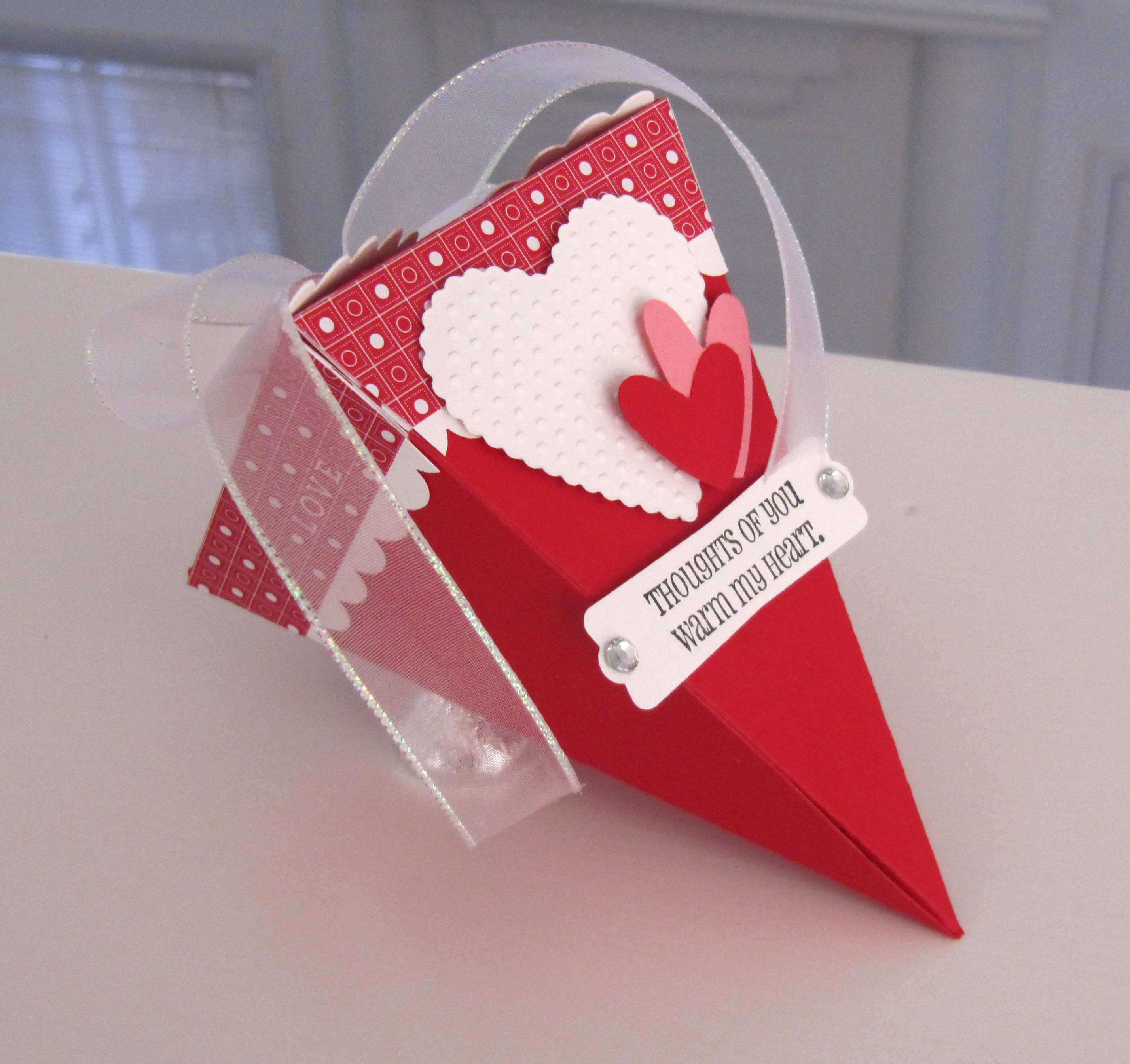 brandy cox makes a favor with the stampin up petal cone bigz l die