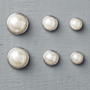 138394 Metal Rimmed Pearls